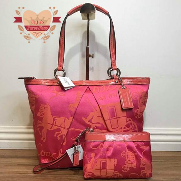 Coach Handbags - 🐎Coach Fabric Tote & Matching Wristlet🐎